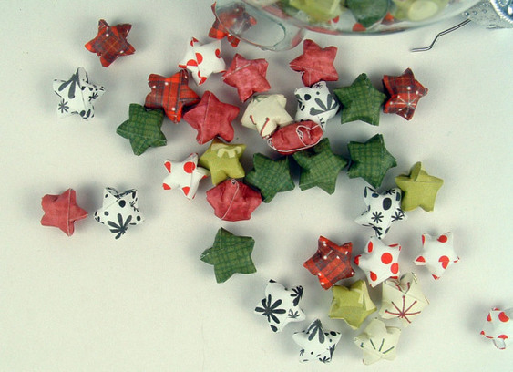 Paper Christmas Lucky Stars from The Crafty Sisters