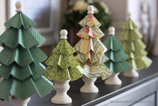 Folded paper christmas trees from Landeeseelandeedo.com