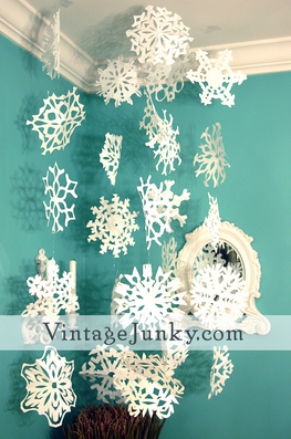 Guide to Paper Snowflakes from Vintage Junky